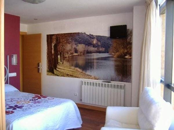 Imagen 3 Chimeneas Covadonga - Exposición de productos foto