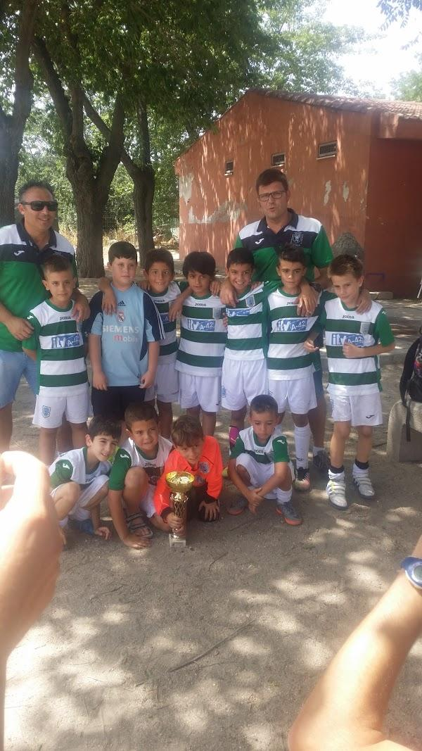 Imagen 124 Polideportivo Giner de los Rios foto