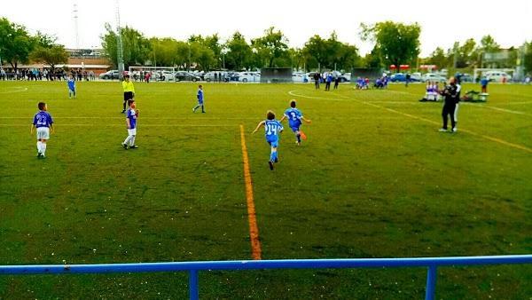 Imagen 129 Polideportivo Giner de los Rios foto