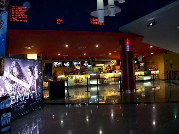 Yelmo cines vialia malaga en m laga for Yelmo cines barcelona