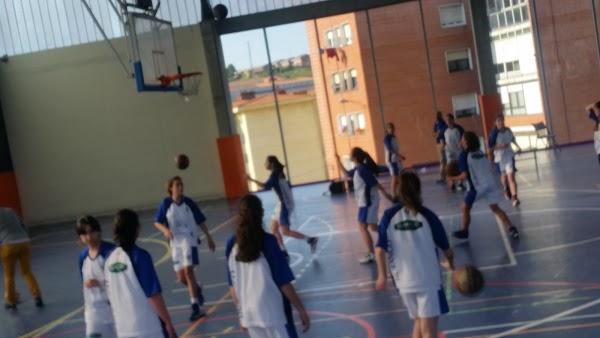 Imagen 58 Polideportivo de Kabiezes foto