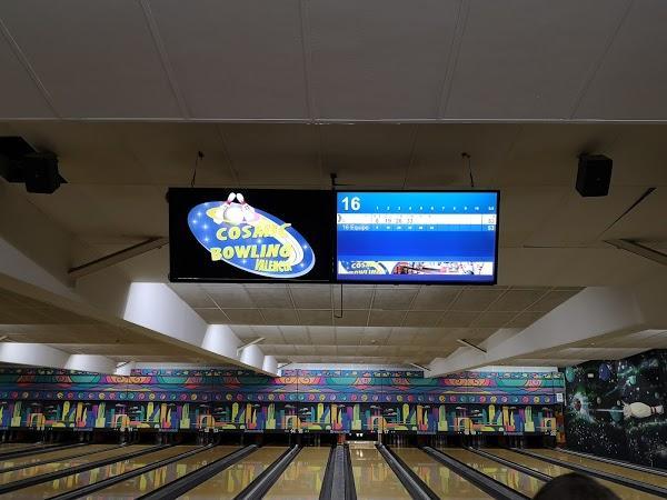 Imagen 101 Bolera Cosmic Bowling foto