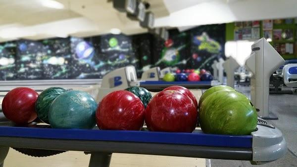 Imagen 104 Bolera Cosmic Bowling foto