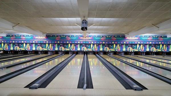 Imagen 56 Bolera Cosmic Bowling foto