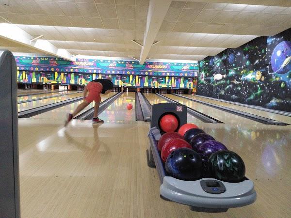 Imagen 81 Bolera Cosmic Bowling foto