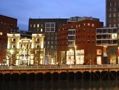 Imagen 2 Gimnasio Metropolitan Bilbao Isozaki foto