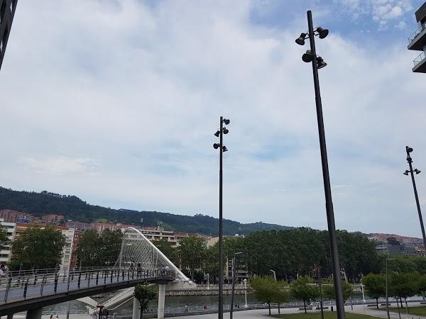 Imagen 1011 Gimnasio Metropolitan Bilbao Isozaki foto