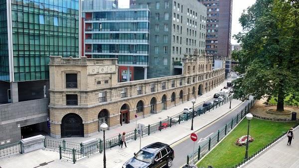 Imagen 1030 Gimnasio Metropolitan Bilbao Isozaki foto