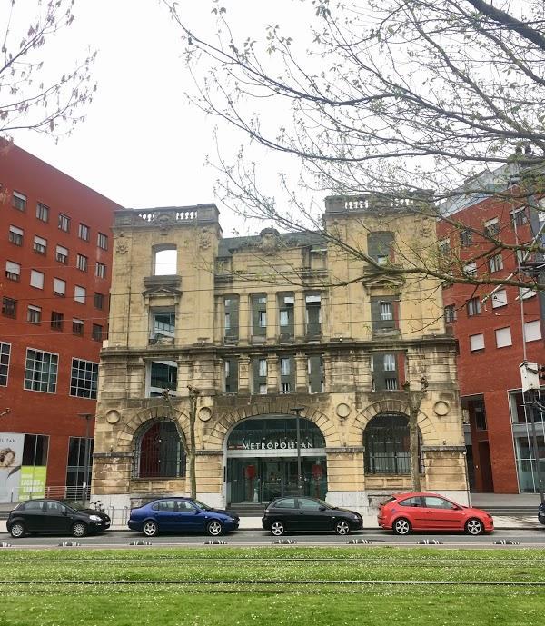 Imagen 1046 Gimnasio Metropolitan Bilbao Isozaki foto