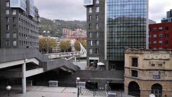 Imagen 883 Gimnasio Metropolitan Bilbao Isozaki foto