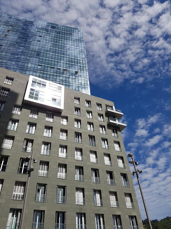 Imagen 946 Gimnasio Metropolitan Bilbao Isozaki foto