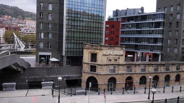 Imagen 951 Gimnasio Metropolitan Bilbao Isozaki foto