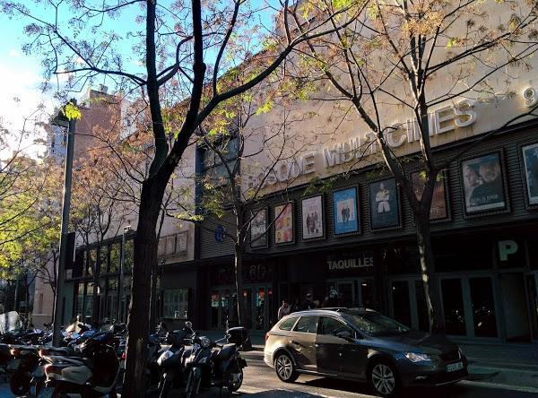 Imagen 416 Bosque Multicines 9 sales 3D foto
