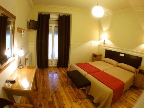 Imagen 2 Aparthotel AHM Marcenado foto