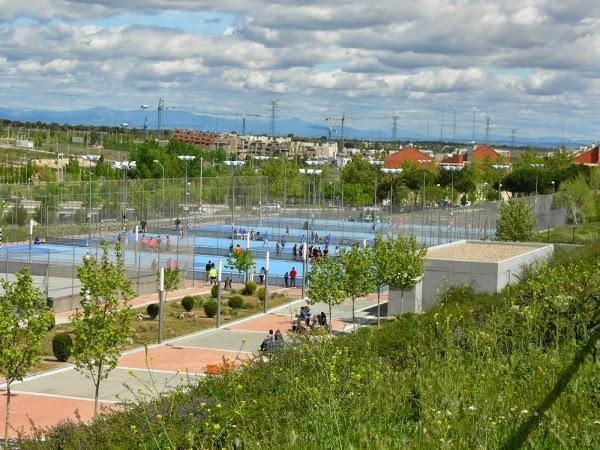 Ciudad deportiva valdelasfuentes en alcobendas for Piscina valdelasfuentes