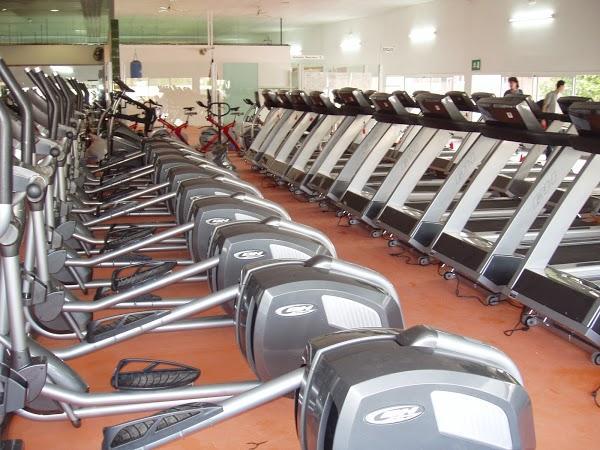 Pilmos gym 24h en cornell de llobregat for Gimnasio 24h madrid